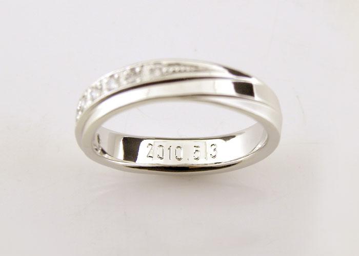 結婚指輪の内側彫刻